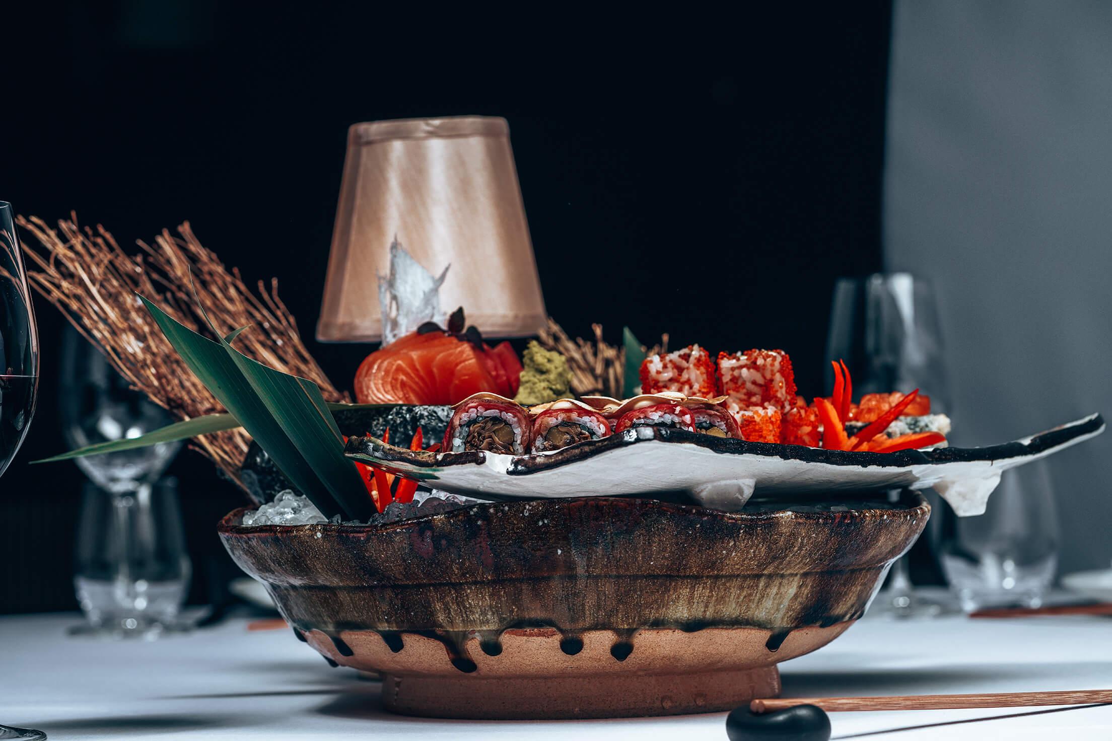 Sushi served on ice